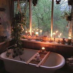 もう電気はいりません。美容効果大の話題の闇風呂って? - Yahoo! BEAUTY Boho Bathroom, Bathroom Candles, Bath Candles, Bathroom Plants, Bathroom Goals, Bathrooms With Plants, Bathtub Decor, Candle Lit, Nature Bathroom