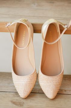Pointed flats // perfect. neutral.