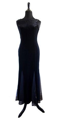Jessica Howard Evenings Petite 1980's/1990's by kltvintageandretro  #jessicahoward #vintagedress #blackdress #80sfashion #90sfashion #vintagegown
