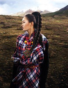 7 Days In Tibet: Harper's Bazaar Indonesia, November 2010 > photo 120567 > fashion picture