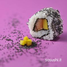#Uramaki Amazon #Rice, #salmon, #mango and poppy seeds.