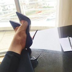 black high heels boots for women sexy Sexy High Heels, Beautiful High Heels, Sexy Legs And Heels, Platform High Heels, High Heels Stilettos, High Heel Boots, Black Pumps, Stiletto Shoes, Shoes Heels