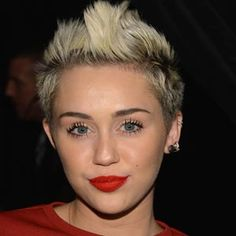 TWO-TONED FAUX HAWK – BEST MILEY CYRUS HAIRSTYLES