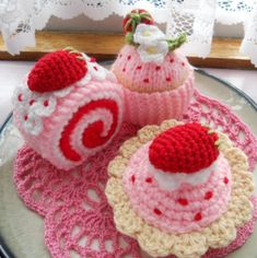 Crochet strawberry desserts