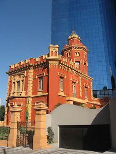 casarão restaurado na rua Conde de Sarzedas - Liberdade - São Paulo. Projeto de Ramos de Azevedo - 1891