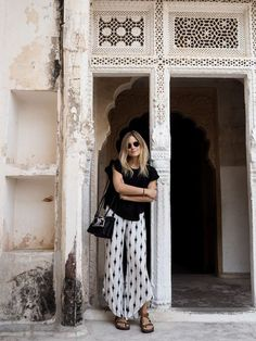 Fashion me now rajasthan road trip jodhpur photo Morocco Fashion, India Fashion, Japan Fashion, Casual Outfits, Cute Outfits, Fashion Outfits, Beautiful Outfits, Fashion Trends, Road Trip Outfit