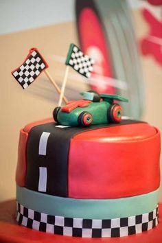 cake for vintage race car birthday party dessert table www.spaceshipsandlaserbeams.com