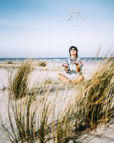 ᵂᴱᴿᴮᵁᴺᴳ ᴰᴬ ᴼᴿᵀˁᴺᴱᴺᴺᵁᴺᴳ Channeling my inner child playing in the white sand with my girl at the widest beach of Europe on the tiny island of Schiermonnikoog like I did when I was 3 years old 🎉🏖️⛵️Well life is to short for gro Channeling My Inner, Inner Child, Better Life, Kids Playing, My Girl, Germany, Europe, Island, Couple Photos