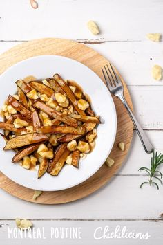 Classic Montreal Poutine Recipe - Chichilicious.com Canadian Food, Canadian Recipes, Poutine Recipe, Potato Sauce, Gluten Free Pastry, Beef Gravy, Vegetarian Appetizers, Recipe Boards, Fries In The Oven