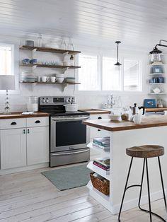 Natural Mommie Tiny Farmhouse - Tiny House Decorating Ideas - Good Housekeeping