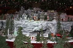 https://flic.kr/p/dze3tH | Toyland Train Mountain | National Christmas Center Paradise PA December 5, 2012