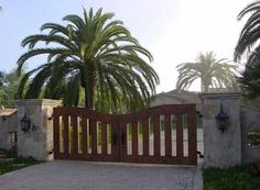 another driveway gate