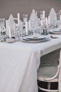 25Una tavola in riva al mare25