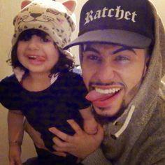 Adam and reema Ratchet He Makes Me Smile, Make Me Smile, Adam Saleh, Cute Love, Youtubers, Famous People, Babies, Ratchet, Babys