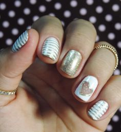 "Unhas de Revéillon com ""cut-out heart"""