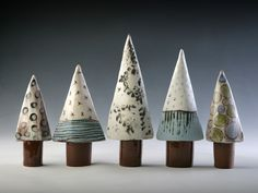 Newest Photo ceramics handbuilt Slab Pottery Concepts linda bristow — Pointed Trees – height varies to tall Ceramic Christmas Decorations, Ceramic Christmas Trees, Christmas Clay, Christmas Crafts, Xmas, Modern Christmas, Christmas Ornament, Ceramic Clay, Ceramic Pottery