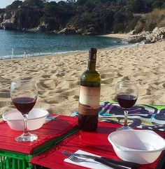 Buone feste aspettando il 2016 sempre in spiaggia come testimonia lo scatto di Giacomo Agostini e il suo pranzo di natale a #cavoli #marinadicampo #camponellelba. Continuate a taggare le vostre foto con #isoladelbaapp il tag delle vostre vacanze all'#isoladelba. E visita il sito web http://ift.tt/1NHxzN3