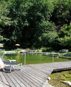 Hôtel Krone in Au | Hôtels 4 étoiles | Au-Bregenzerwald | Vorarlberg | Autriche Spa, France, Deck, Outdoor Decor, Home Decor, Swim, Austria, Summer Vacations, Places