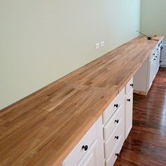 IKEA butcherblock countertop for built-in wall-to-wall desk, Home Is Where My He. - Ikea DIY - The best IKEA hacks all in one place Built In Desk, Built In Bookcase, Bookcases, Ikea Built In, Office Built Ins, Bookshelf Desk, Ikea Butcher Block, Butcher Block Desk Top, Build A Wall