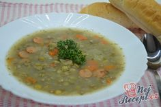 24 nejlepších zimních polévek, které vás zahřejí a zasytí! Russian Cakes, Lentil Soup, Lentils, Cheeseburger Chowder, Food And Drink, Tips, Recipes, Mozzarella, Noodle Salads