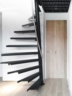 7 Simple and Modern Ideas: Modern Attic Stairs attic conversion apartment.Attic Remodel How To Build. Attic Staircase, Loft Stairs, Spiral Staircase, Staircase Design, Attic Ladder, Attic Renovation, Attic Remodel, Angled Ceilings, Mezzanine