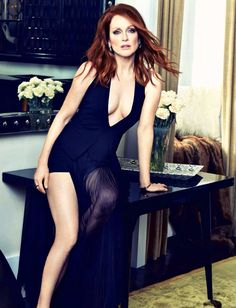 428fed38193 Julianne Moore is a great example of how you can look fantastic at any age!