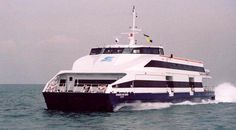 The Damen Double Ended Ferries have interchangeable bows and sterns for passenger and car transport. http://www.damen.com/markets/double-ended-ferries