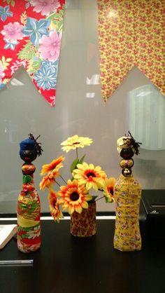 Festa com toque de brasilidade...objetos de decoração fazem a diferença