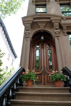 Beautiful Stoops from Brownstone Brooklyn — Stoopin Around Cool Doors, Unique Doors, Entrance Doors, Doorway, Front Doors, Front Stoop, House Entrance, Portal, Architecture Design