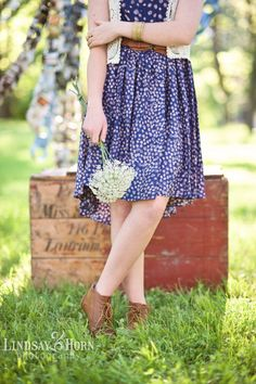 Vintage Themed Senior Photo Shoot by Lindsay Horn Photography with Vanessa of Butterfly Sparks and Rent My Dust Vintage Rentals.