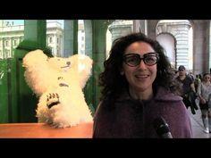 Paola Pivi alla Rinascente: orsi colorati e sogni in vetrina