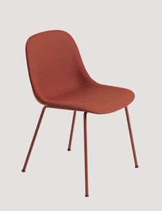 The FIBER SIDE chair is the latest addition to the FIBER chair family, which also means it is constructed with the same elegant innovative bio-composite material with up to 25% wood fibers. With an eye for detail, every line and every curve of the FIBER SIDE chair has been designed to balance maximum comfort with minimum space. FIBER SIDE chair has a visual light expression that allows great freedom of movement for the user and a design that can easily slide under all tables.