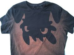 Upside down Toothless from How to Train Your Dragon t-shirt (women's)