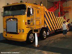 Kenworth K200 Twin steer tow truck Train Truck, Road Train, Towing And Recovery, Custom Trailers, Kenworth Trucks, Peterbilt, Cab Over, Show Trucks, Engin