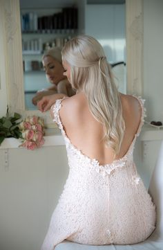 Forlover, kjole med åpen rygg, Nina Thorsø Couture. I den Lille Frisørsalong Girls Dresses, Flower Girl Dresses, Lace Wedding, Wedding Dresses, Fashion, Dresses Of Girls, Bride Dresses, Moda, Bridal Gowns