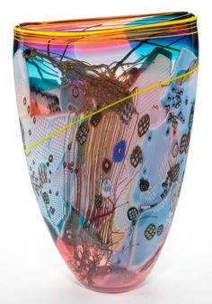 A WES HUNTING GLASS VASE . Princeton, Wisconsin, circa 1992.
