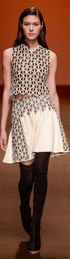Tufi Duek Winter 2015 Ready-to-Wear:
