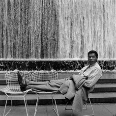1952_ CHAISE 'SIDE' PAR harry bertoia DANS LE PARC paley À NEW YORK