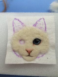 Pom Pom Animals, Fluffy Animals, Felt Animals, Felt Owls, Felt Cat, Needle Felted Cat, Needle Felted Animals, Ribbon Flower Tutorial, Felt Crafts Diy