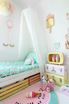 pastel colors on a kids bedroom