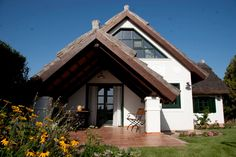 Sukoró - tervező: Mérmű Építész Stúdió Gazebo, Outdoor Structures, Cabin, House Styles, Home Decor, Kiosk, Decoration Home, Room Decor, Pavilion