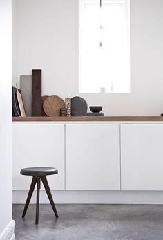 Aesence | Minimal Home Inspiration | White Kitchen Styling | Simplicity & Minimalism