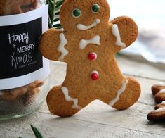 Biscuits pain d'épices - noel Easy Christmas Cookie Recipes, Christmas Cupcakes, Easy Cookie Recipes, Christmas Diy, Dessert Recipes, Easy Oatmeal Raisin Cookies, Keks Dessert, Ginger Bread Cookies Recipe, Gingerbread Man Cookies