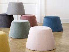 La marque danoise aux prix trèslégers a eu la bonne idée de développer sa gamme de petits meubles. Dans sa nouvelle collection, elle propose notamment un pouf en velours pile dans la tendance et c'est un succès annoncé. Décliné en plusieurs coloris, il peut servir d'assise ou de table d'appoint. Il coûte 29,96€ il sera…