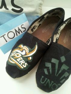 UNC Charlotte Toms... custom made for Imani! for info email me at dsdeverx@hotmail.com or check out my etsy shop at www.tresfancy.etsy.com