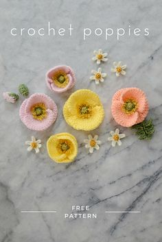Crochet Puff Flower FREE crochet Iceland poppy pattern - make a bunch of realistic crochet poppies for a Mother's Day bouquet or a Spring flower crown Poppy Crochet, Crochet Poppy Free Pattern, Crochet Puff Flower, Crochet Flower Patterns, Crochet Motif, Crochet Flowers, Crochet Stitches, Crochet Hooks, Knitting Patterns