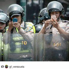 .  P R E S E N T A M O S  F O T O.  D E L  D Í A  Por: @alejoreyna .    FUERZA VENEZUELA    Agradecemos el apoyo a GF Venezuela recuerda etiquetar siempre en: #GF_Venezuela #Global_Family  Síguenos para que tu foto pueda ser destacada en esta sección y estar informado de nuestras actividades diarias y semanales.  Foto seleccionada por el equipo de @GF_Venezuela  GF VENEZUELA ᎶlobAᏞ ҒᎪmᎥᏞᎽ   the-globalfamily.com wнere тнe world мeeтѕ . #gfv_alejoreyna #Repost @gf_venezuela