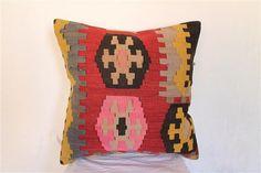 Kilim Pillow Anatolian Wool Pillows Throw pillow di BrilliantArt, $40.00