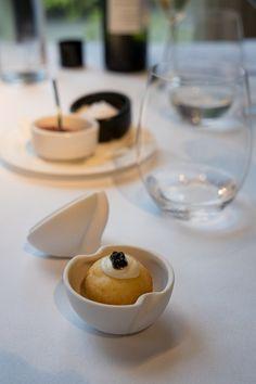 Das Baskenland ist ein Paradies für Feinschmecker. In kaum einer anderen Region gibt es so viele Sternerestaurants wie in Euskadi, wie die Basken ihre Region nennen. Hier meine Tipps für eine Gourmet-Tour.  #Gourmet #Sternerestaurants #Baskenland #Spanien Tableware, Gourmet, Paradise, Sevilla Spain, Viajes, Tips, Dinnerware, Tablewares, Place Settings