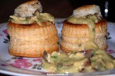 Het recept voor deze pasteitjes met zelfgemaakte kippenragout is van mijn moeder en absoluut verrukkelijk!
